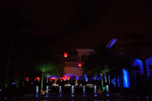 Palm-Island-Chinese-Lantern-Release-at-Midnight.jpg
